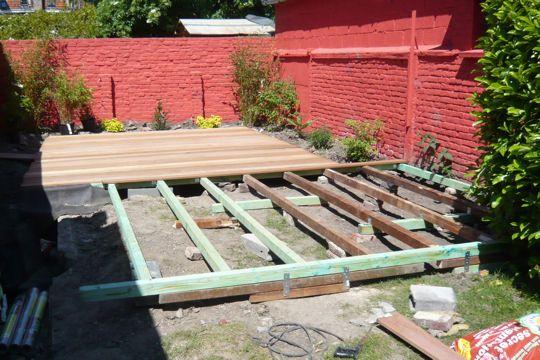 L\u0027ossature de la terrasse en bois jardin et garage Pinterest