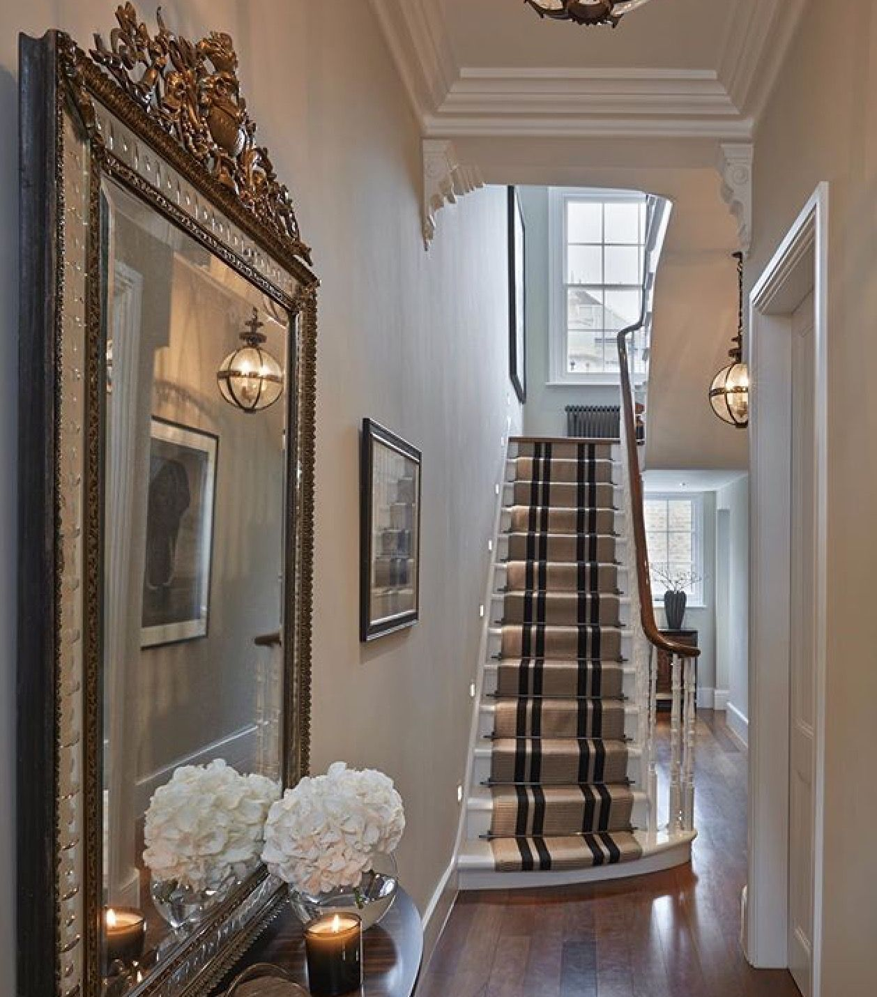Victorian Hallway: Pin By Julie Fauth Job On Hallways And Stairs