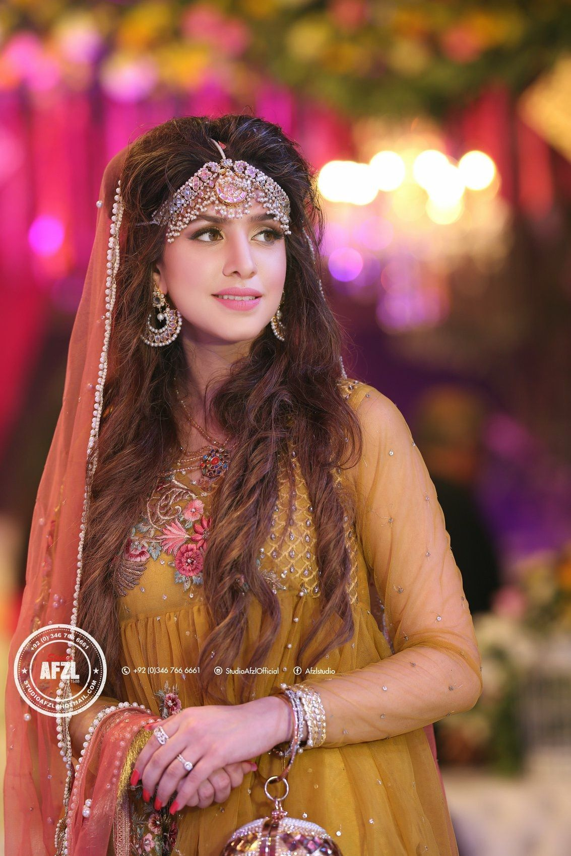 Mehndi Bride Pakistani Wedding Photography Wedding Picture Poses Pakistani Wedding
