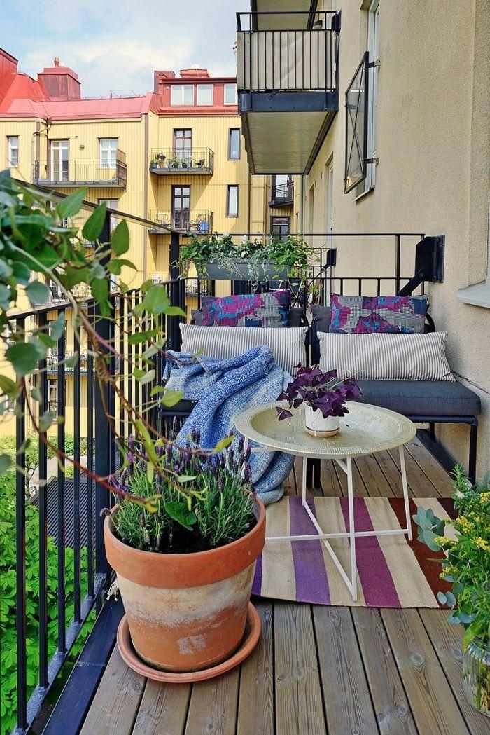 Balkongestaltung Ideen Grelle Akzente Pflanzen Balkondeko ... Ideen Mit Balkonpflanzen