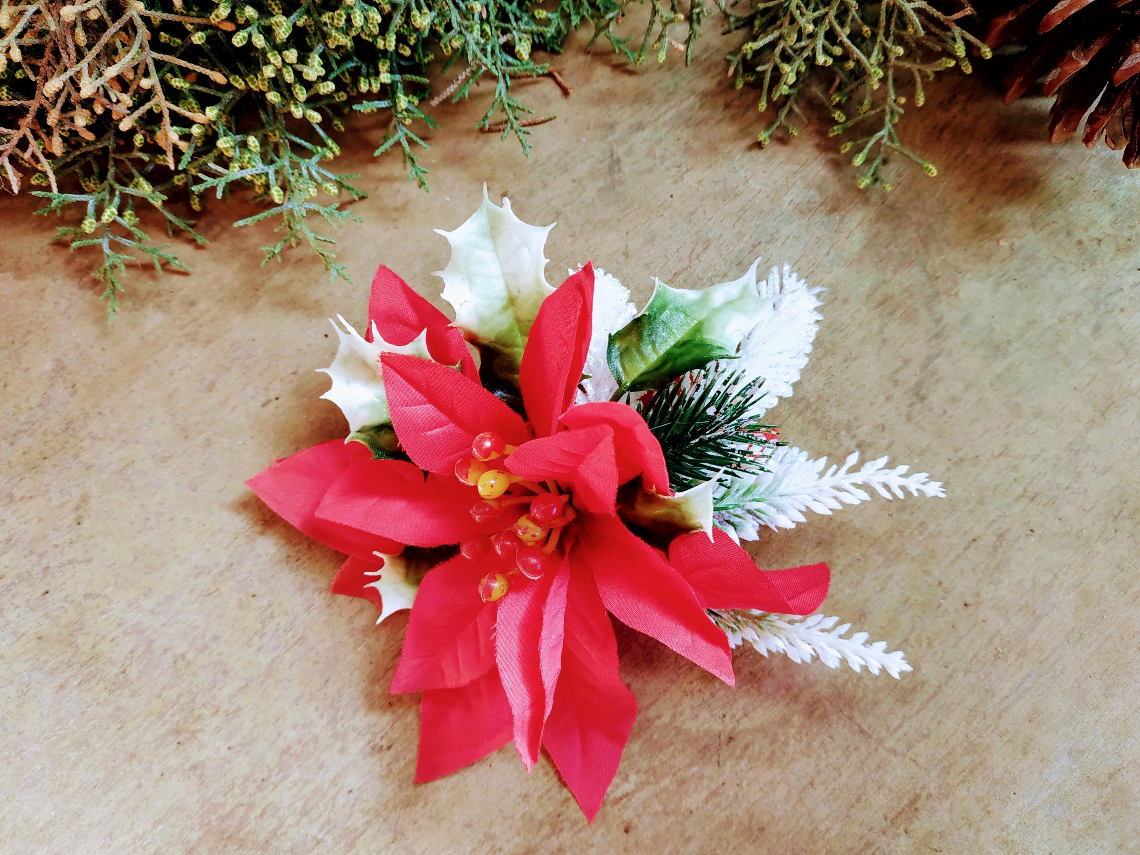Christmas Flower Hair Clip Accessory Poinsettia Mistletoe Etsy Xmas Hair Accessories Flower Hair Accessories Flower Hair Clips
