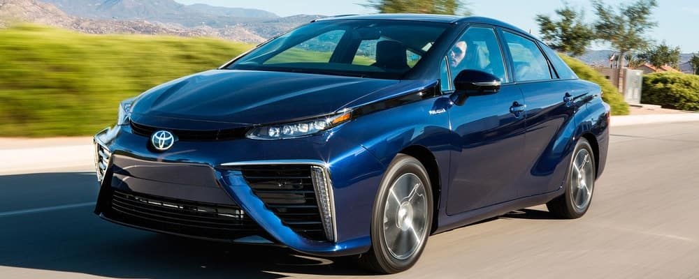 What Is The Maximum Range Of The Toyota Mirai Toyota Santa Monica In 2020 Fuel Cell Electric Vehicle Car Fuel Hydrogen Powered Cars