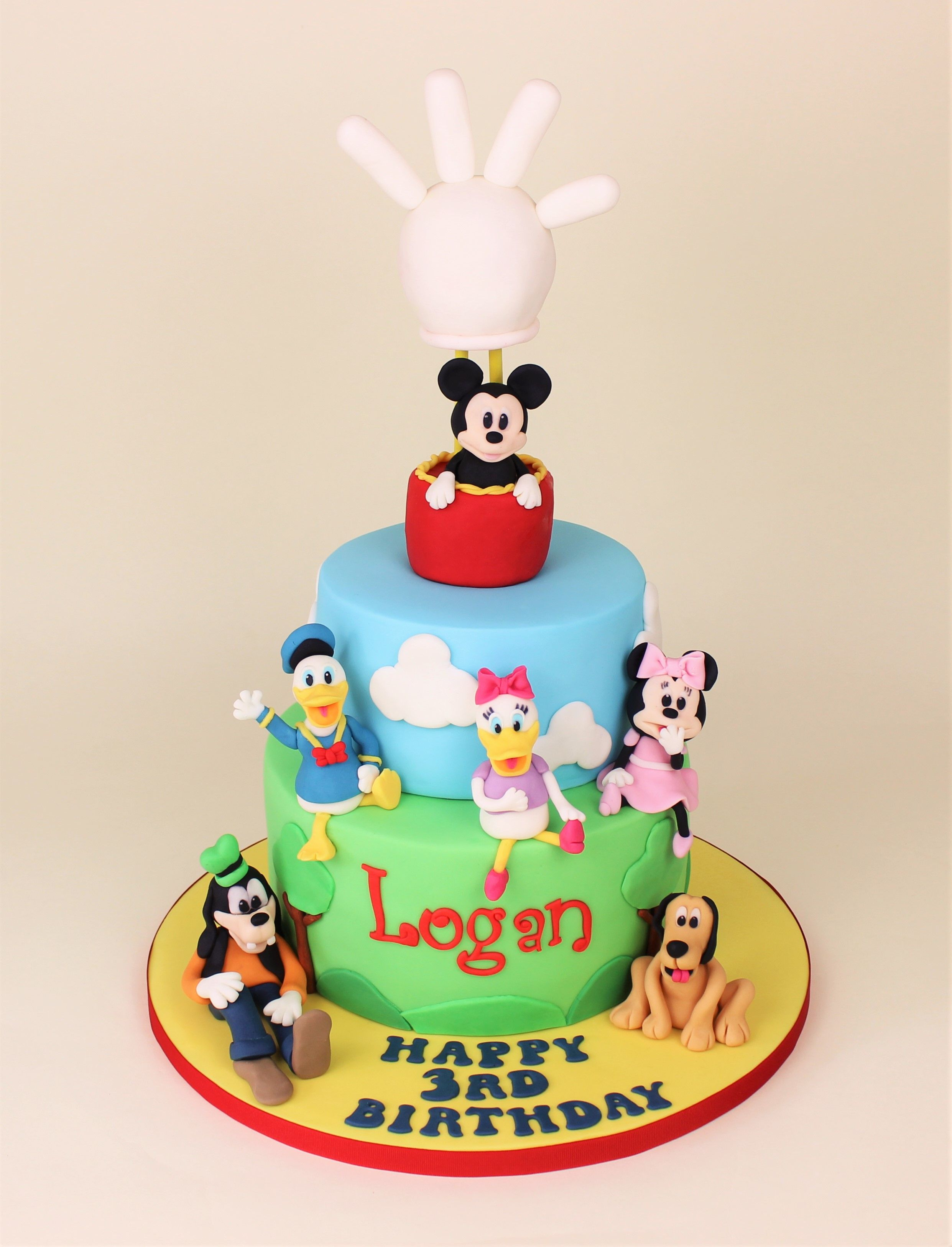 Disney Cake With Mickey Mouse Minnie Mouse Daisy Duck
