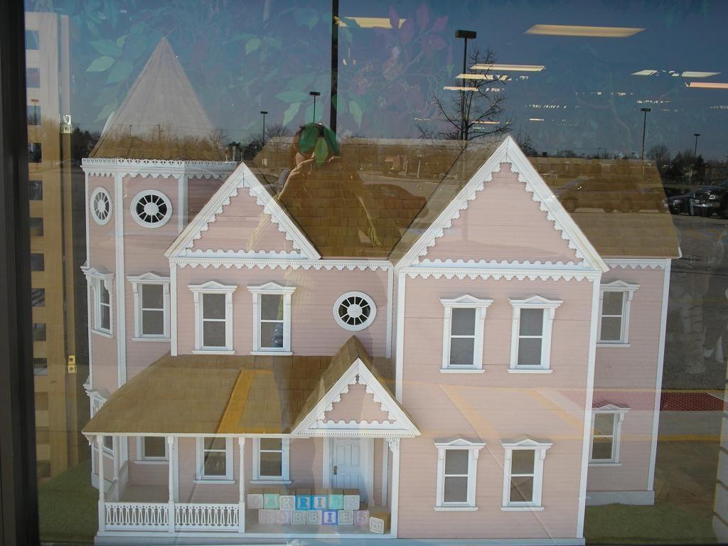 The Elizabeth Anne Vintage Dollhouse From Oakridge Corporation