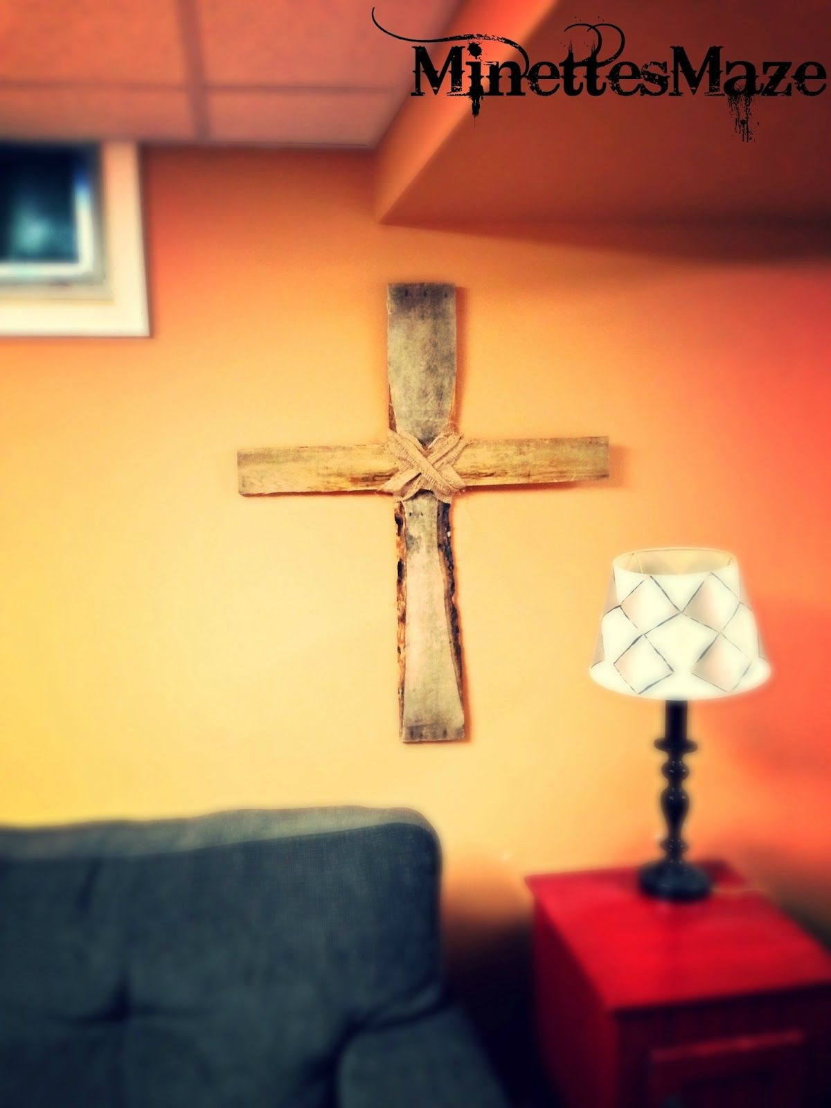 Unique cross out of Pallet wood! DIY | MY FURNITURE REDOS ...