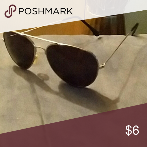 0cd6a3027278 aviator sunglasses good shape just never wear an silver dark colored ...