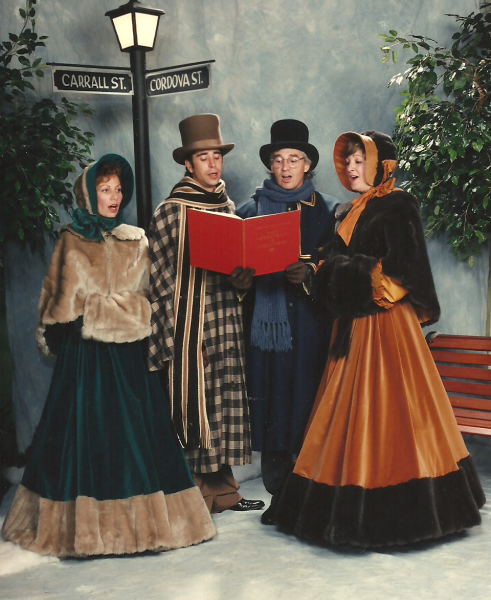 Victorian Christmas Carolers Decorations: This Weekend At Casa Loma, Interact With Roaming Carolers