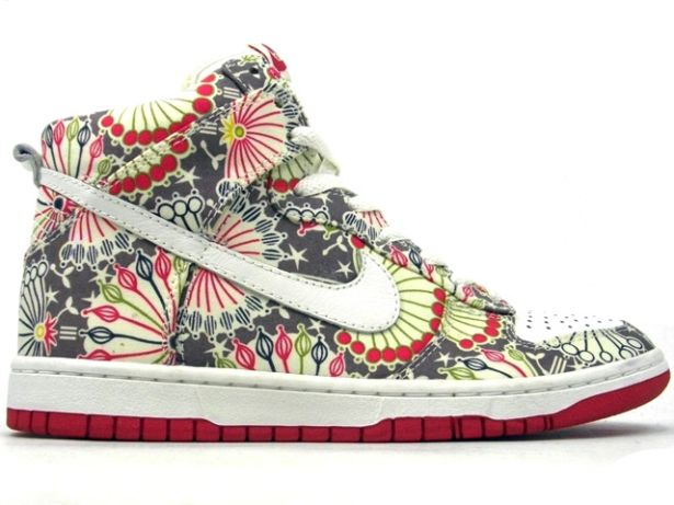 innovative design fd2d5 02409 Nike + Liberty of London. Cool meter explodes!