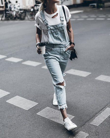 dafbb7636 Chique Minimalista, Looks Com Jardineira, Jardineira Jeans, Moda Verão  Casual, Macacão Jeans