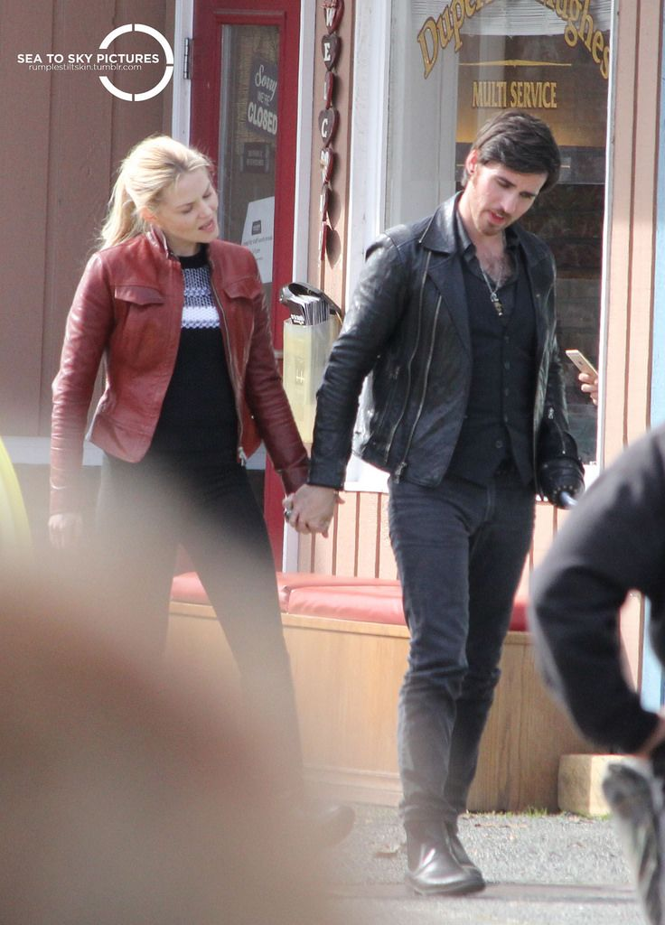 "Colin O'Donoghue and Jennifer Morrison - Behind the scenes - 5 * 23 ""An Untold Story"" - 29 March 2016"