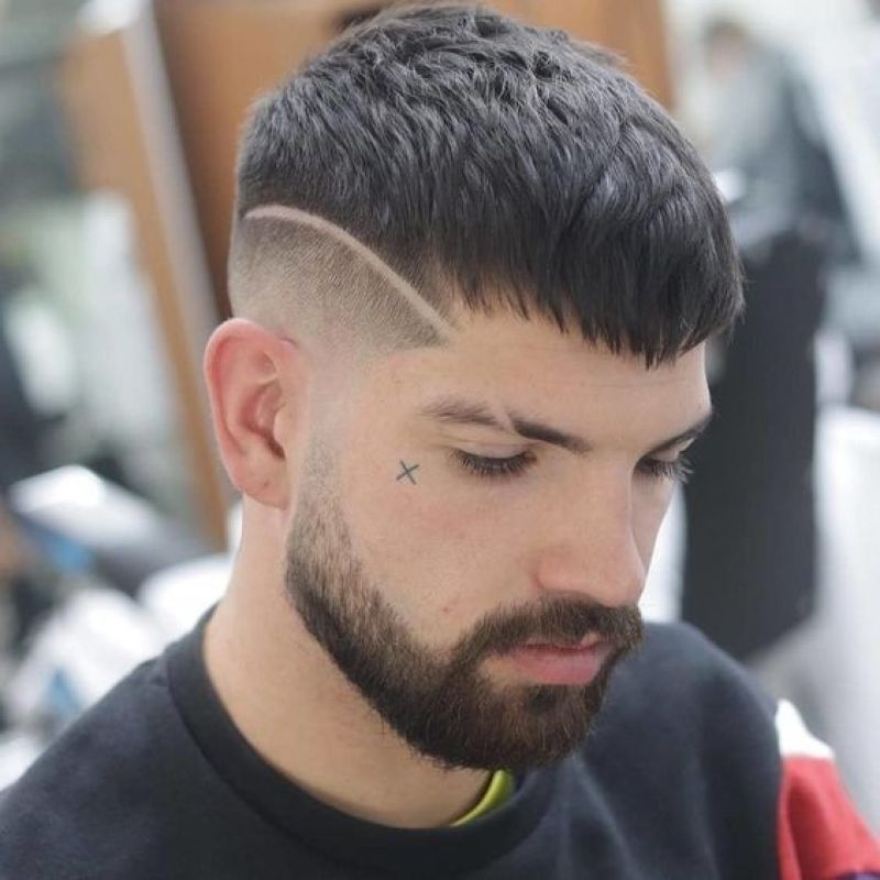How To Choose The Right Men Haircut Fashionnita In 2020 Mens Haircuts Short Mens Hairstyles Short Hard Part Haircut