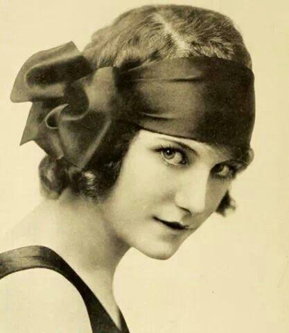 coeffure 🎀 ode retro vintage coupe coiffure cheveux ruban