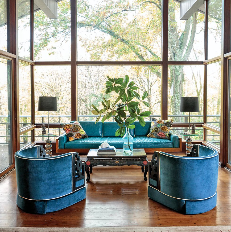 See Stunning Photos Of A Recently Renovated Mid Century Home In Tennessee Mid Century House Elle Decor Home