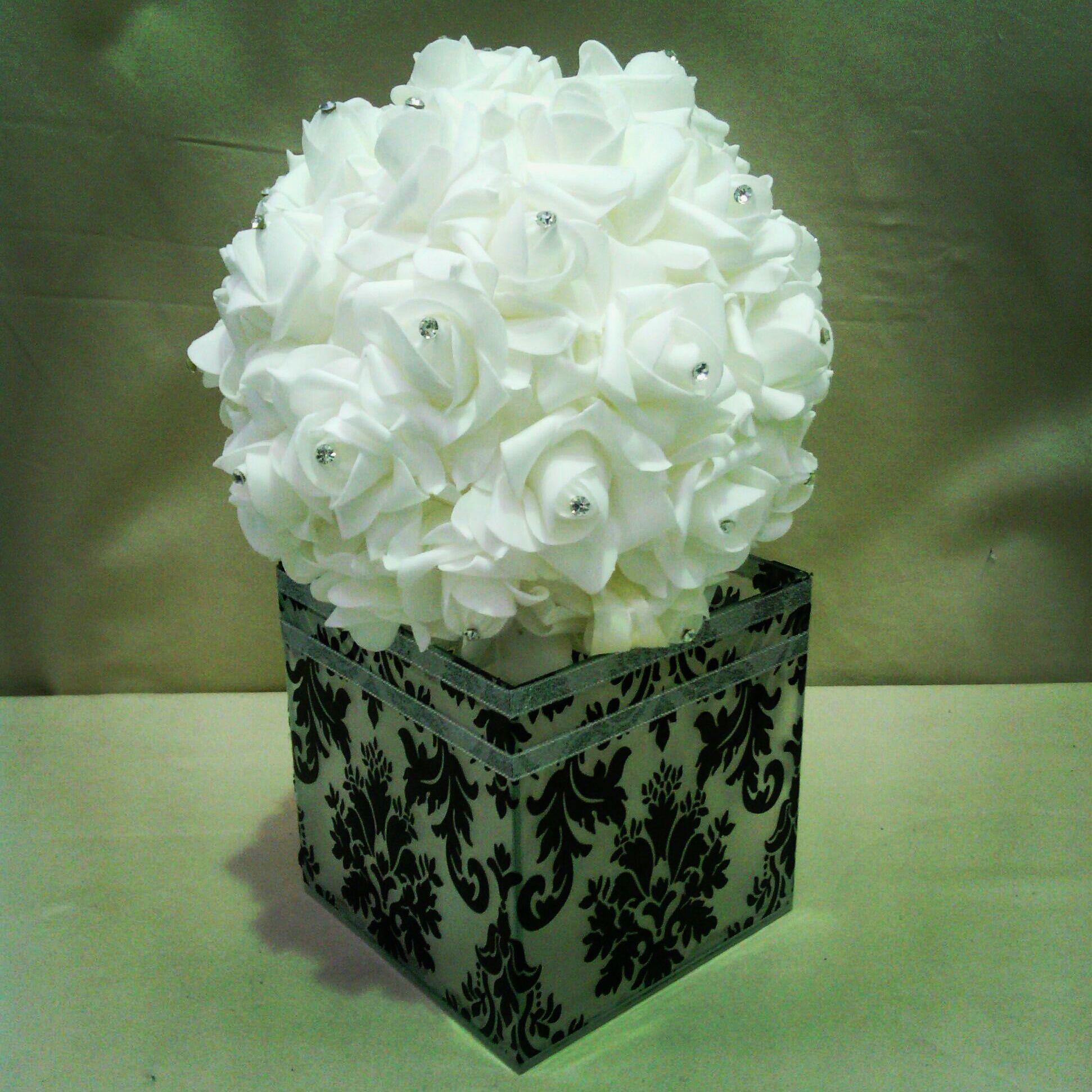 Rose ball on damask glass cube