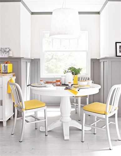 Make The Most Of A Tight Dining Space By Choosing A Circular Table With A Pedestal Base Put In T Dining Room Small Kitchen Table Settings Small Kitchen Tables