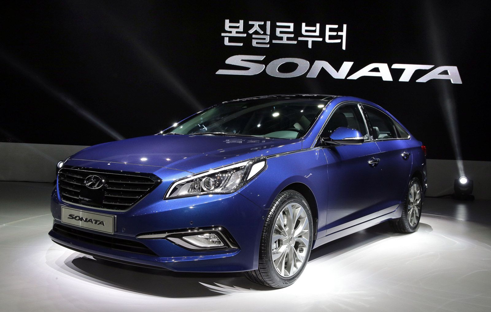 Hyundai reveals all new sonata in south korea