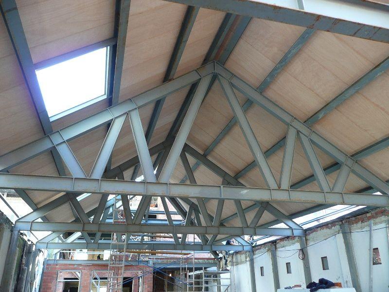 Acabado interior de los paneles sandwich thermochip en for Tejados de madera thermochip