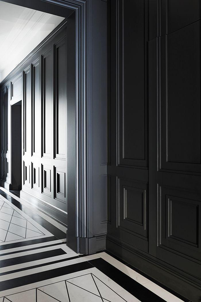 un appartement classique londres joseph dirand queen anne and floor patterns. Black Bedroom Furniture Sets. Home Design Ideas