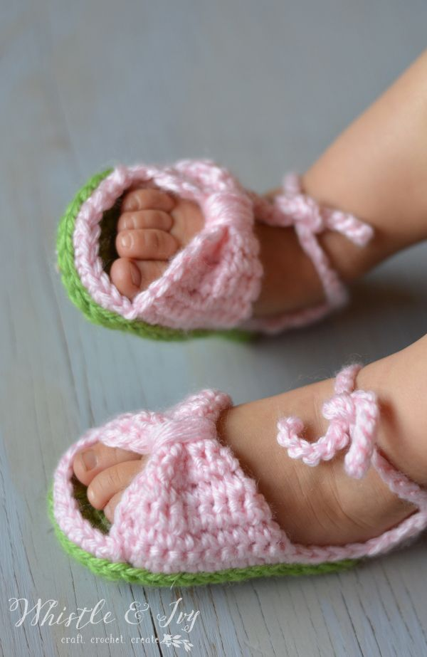 357ca4fc8 Free Crochet Pattern - Bitty Bow Baby Sandals. Adorable spring and  summertime booties for baby!