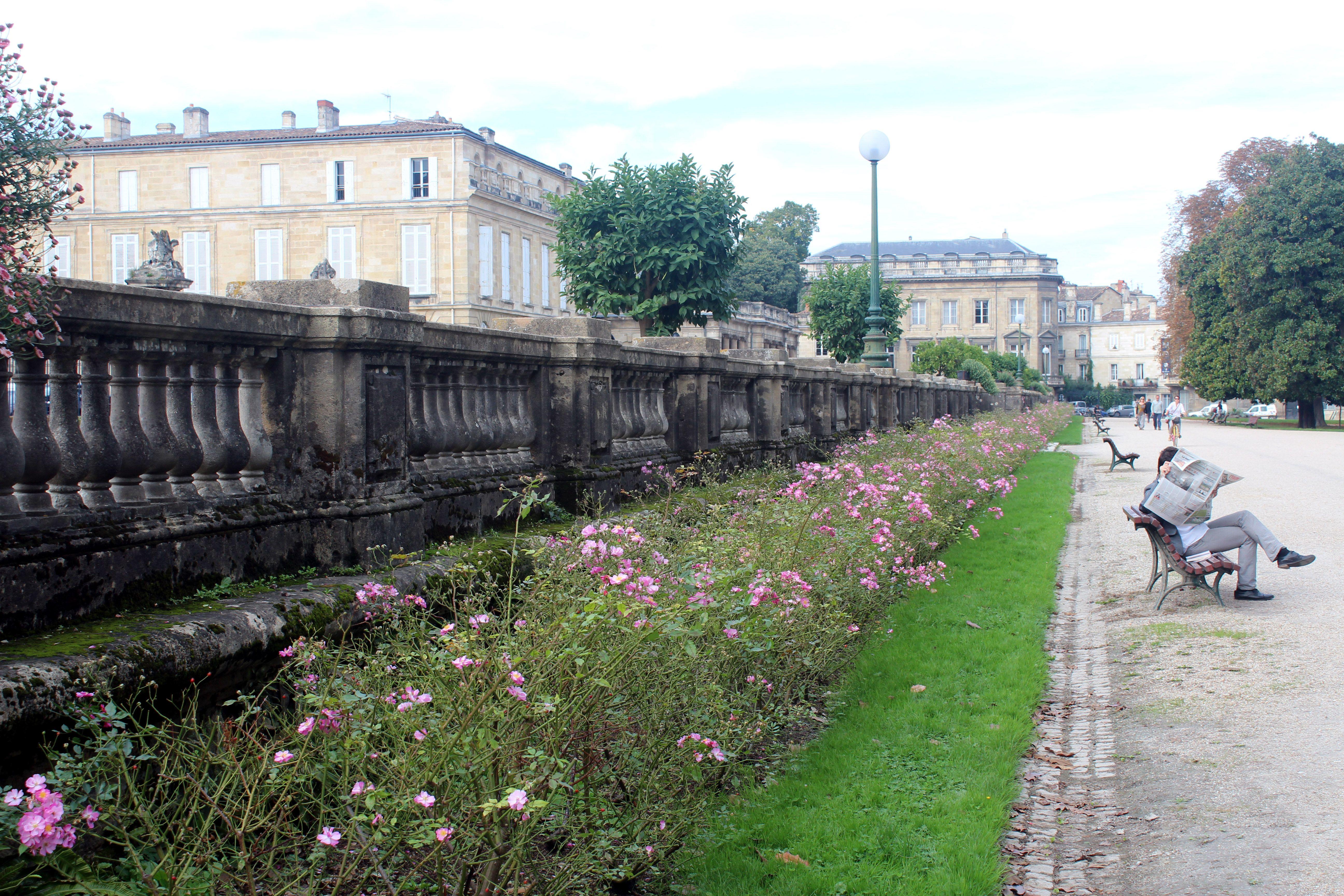 Jardin Public Cours De Verdun Bordeaux France Bordeaux Sidewalk