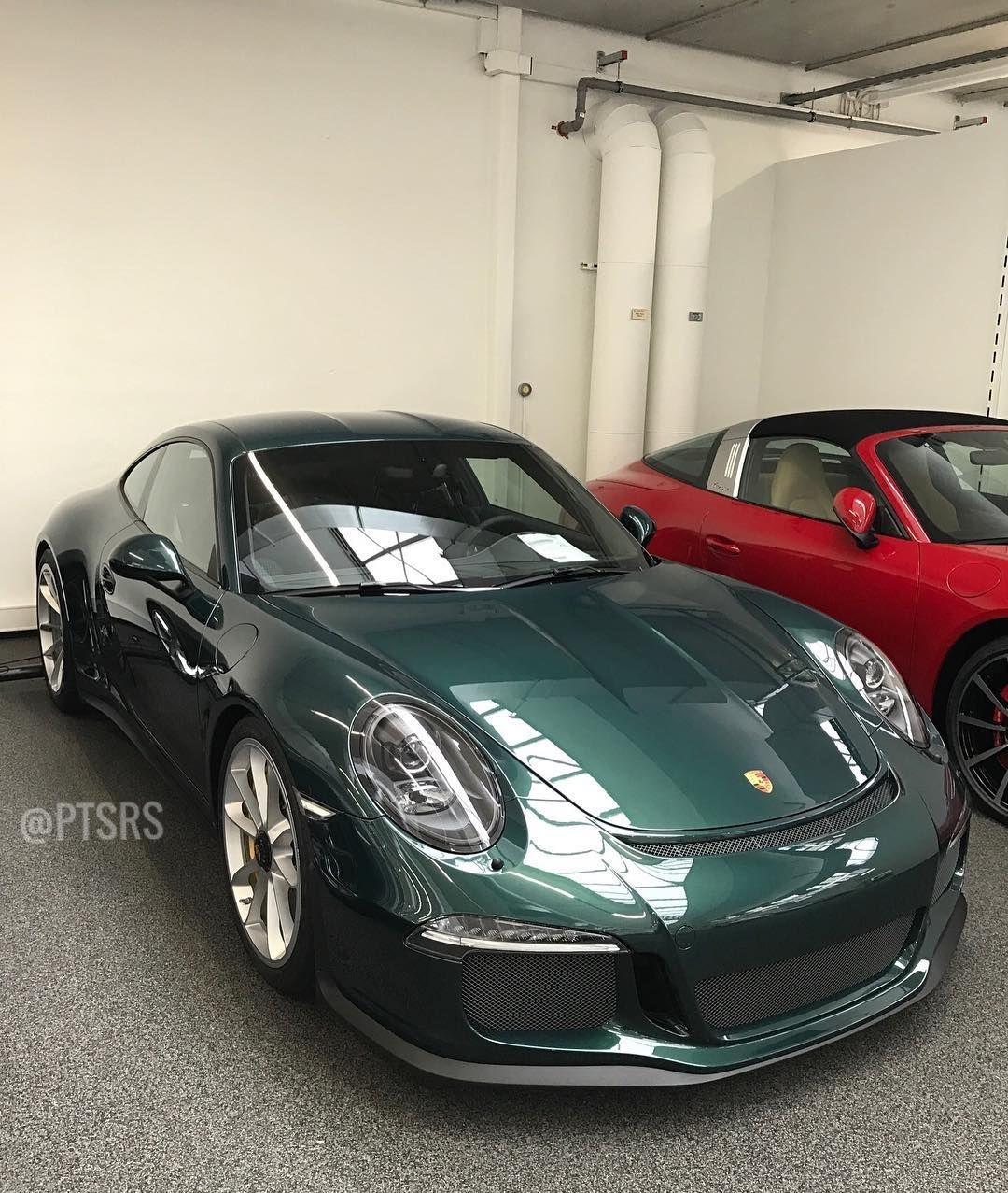 Porsche Racing Green Metallic