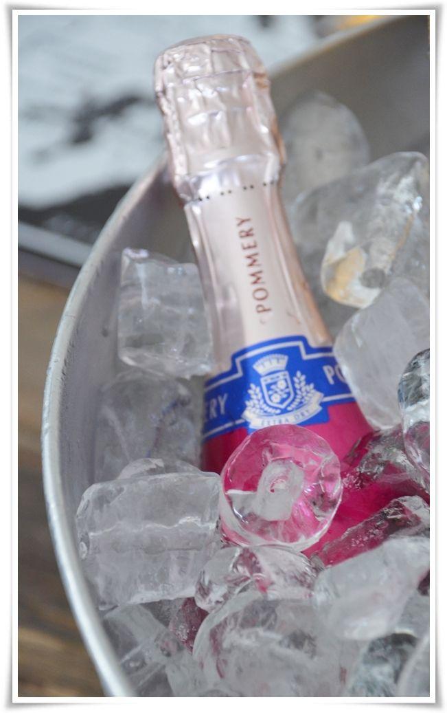 {Fabelaktig} pink champagne!