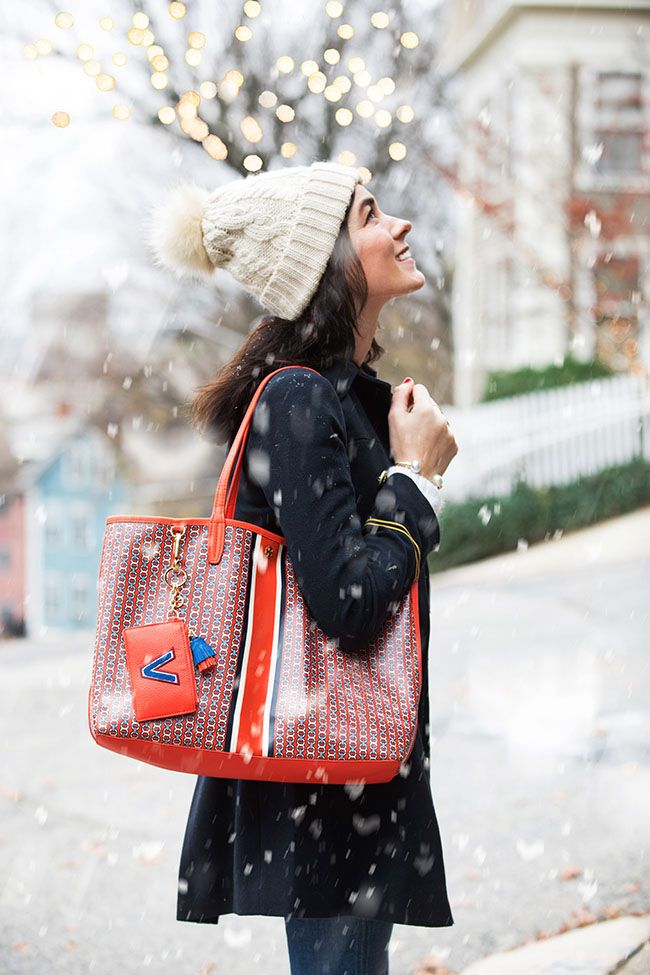 Sarah Vickers of Classy Girls Wear Pearls carrying the Gemini Link Tote