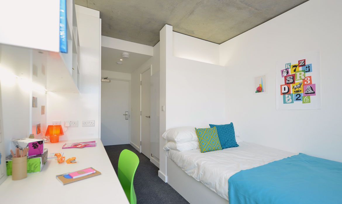Room Student studio rooms and accommodation in