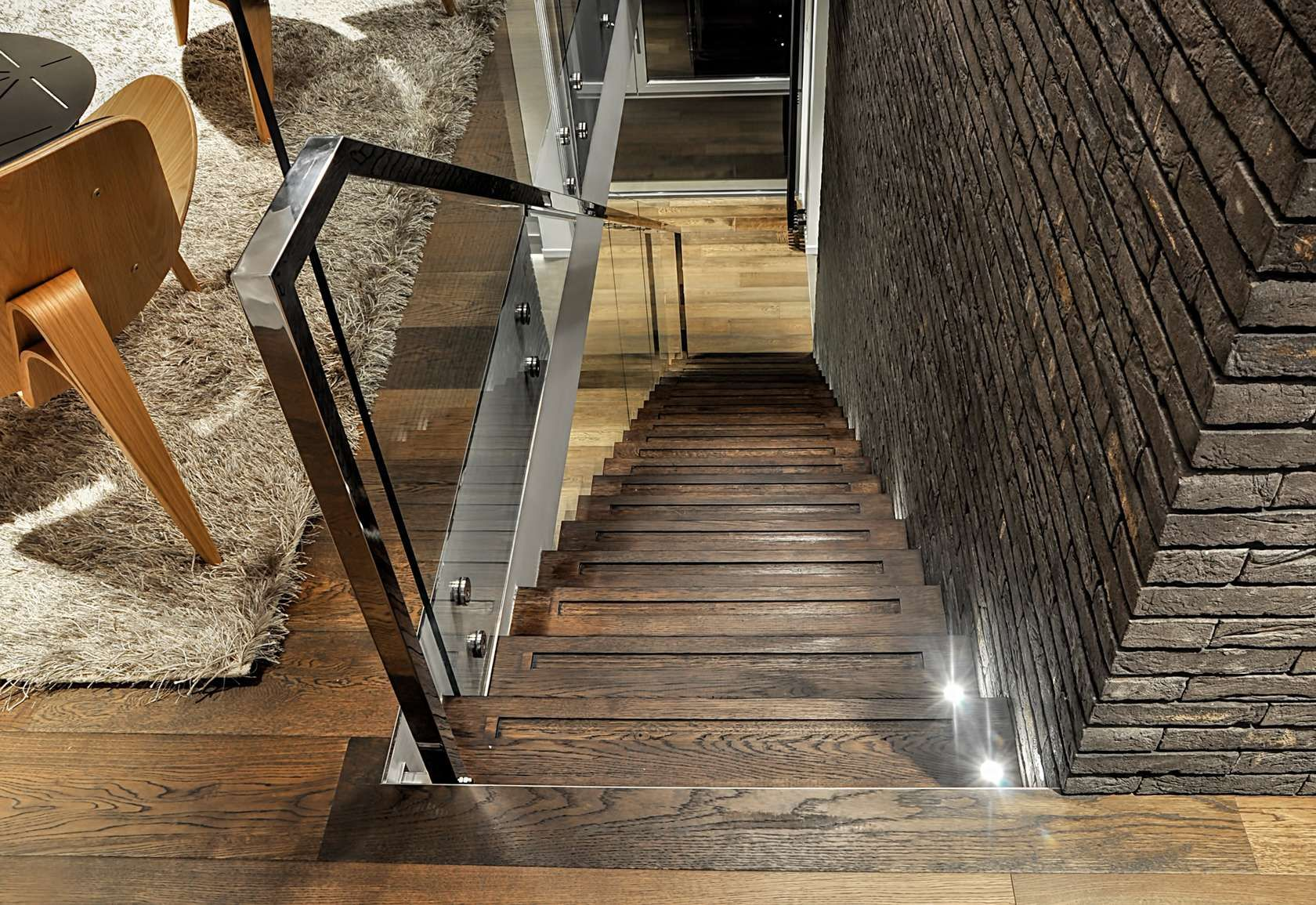 Best Belgrade Apartment By Studio Savikin Wood Railings For 400 x 300