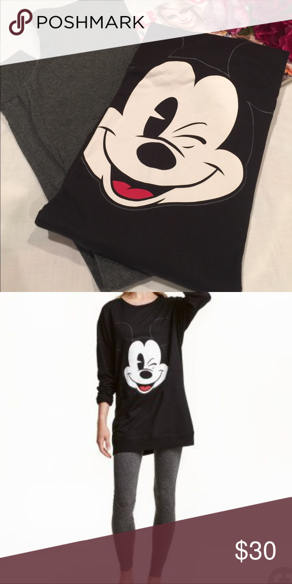 b054359355 H M Mickey Mouse Pajama Set Lounge set in a soft cotton blend. Long-sleeved