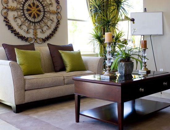 Lime chocolate brown living room casa pinterest for Decoracion hogar lima