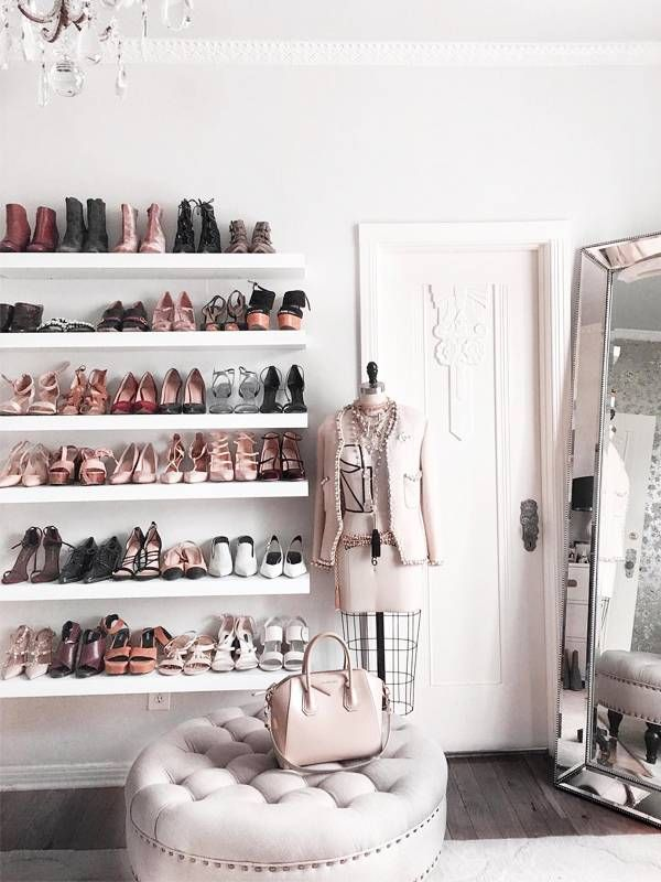 A Minimalist Closet Can Be a Reality If You Follow These 3 Organizational Steps