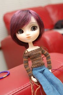 Nemata pannumque cano: Knitting Pattern: Off-the-shoulder Sweater for Pullip