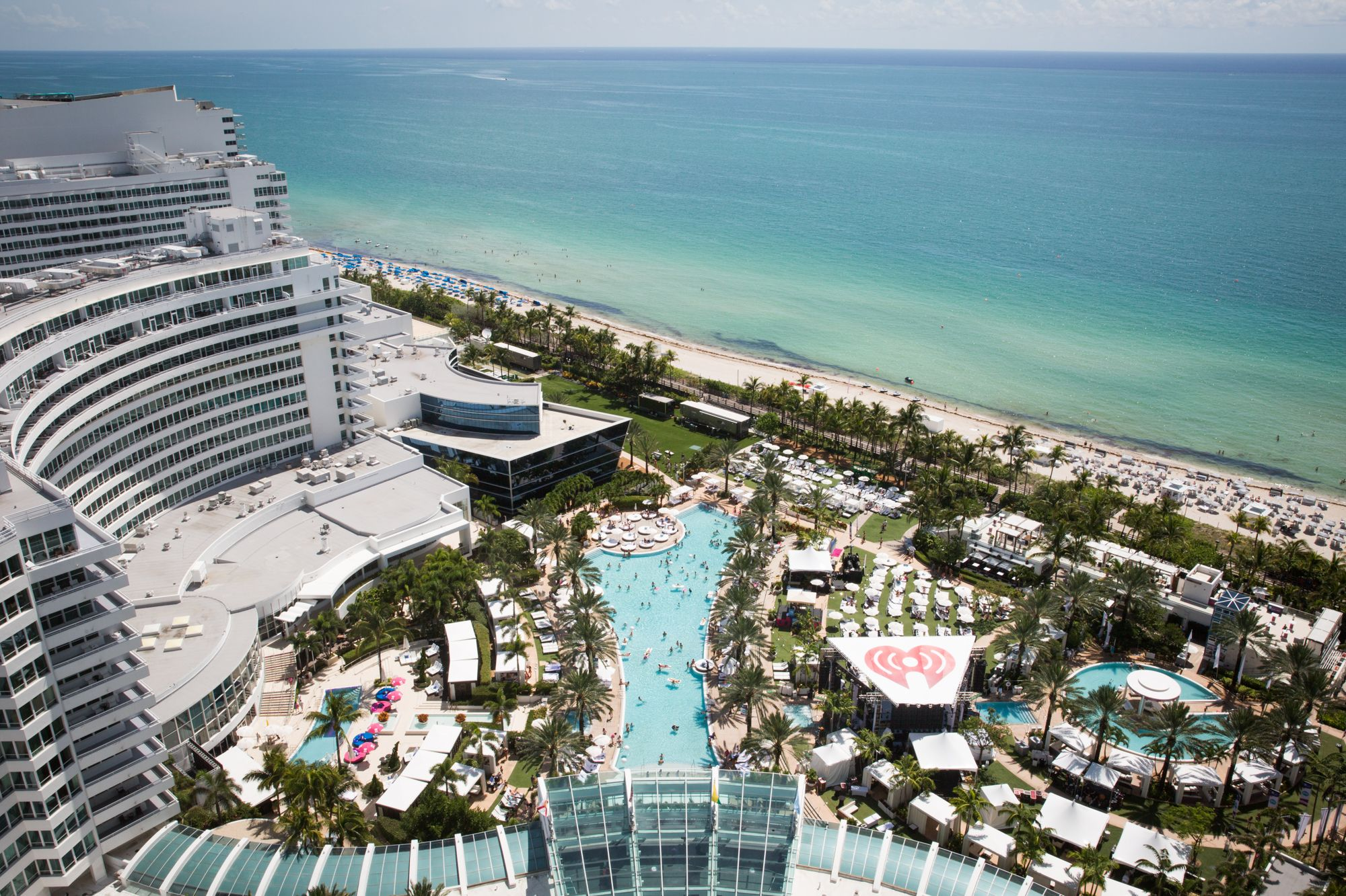 fontainebleau miami beach played host to our iheartradio ultimate pool party check out that. Black Bedroom Furniture Sets. Home Design Ideas