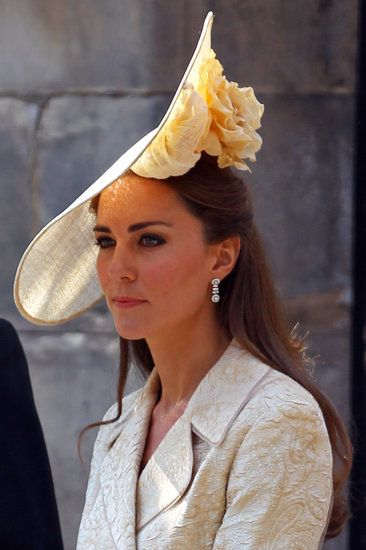 Kate Middleton S Hat Is Stunning And Kentucky Derby Worthy