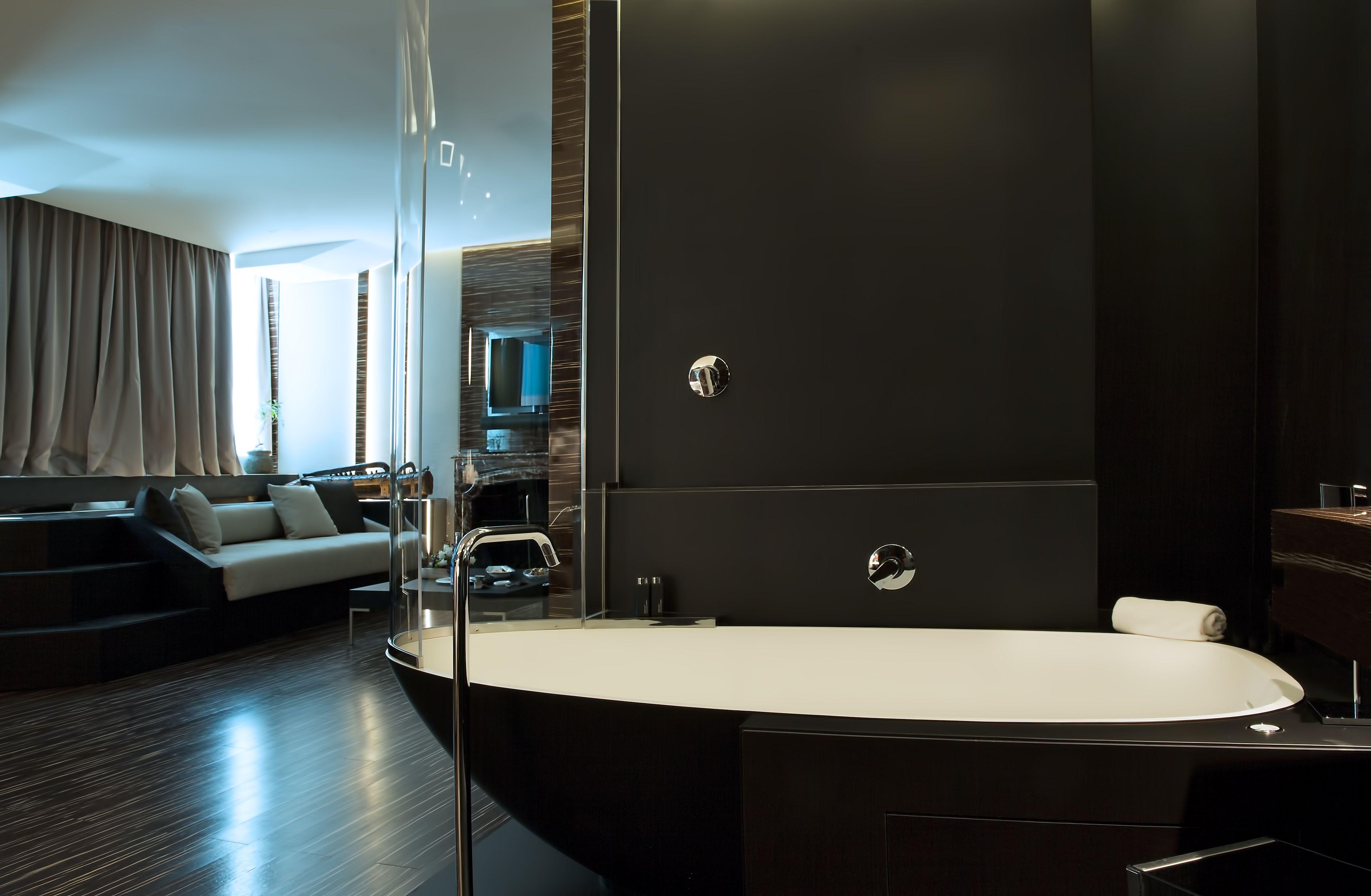 Garden Pool Suite Bathroom Opaque Black Granite Floor And Paneling Korakril Boma Whirlpool Bathtub And Sinks By Rex Two Bedroom Suites Luxury Rooms Suite