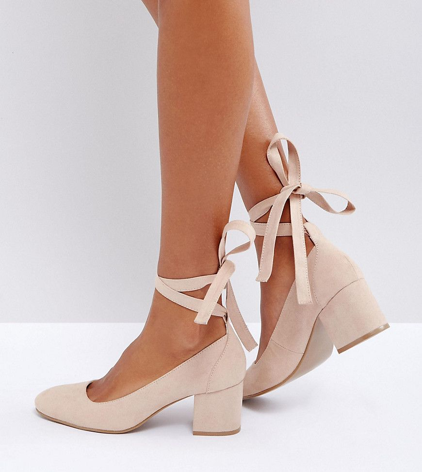 Pin By Skylar J Turner On Style Inspo In 2020 Kitten Heel Shoes Heels Womens Shoes Wedges