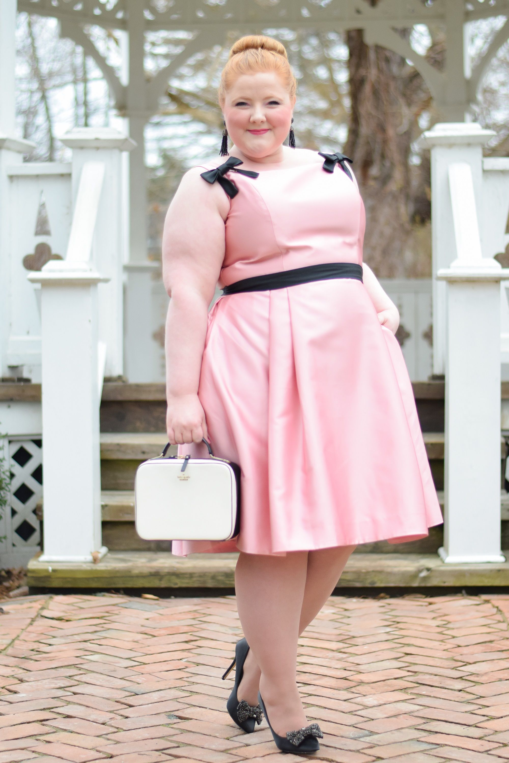 e0e381feca9 The Gal Meets Glam Holiday Collection 2018  GMG Felicity Dress review  styled for holiday Christmas parties in a size 20 on a plus size influencer.
