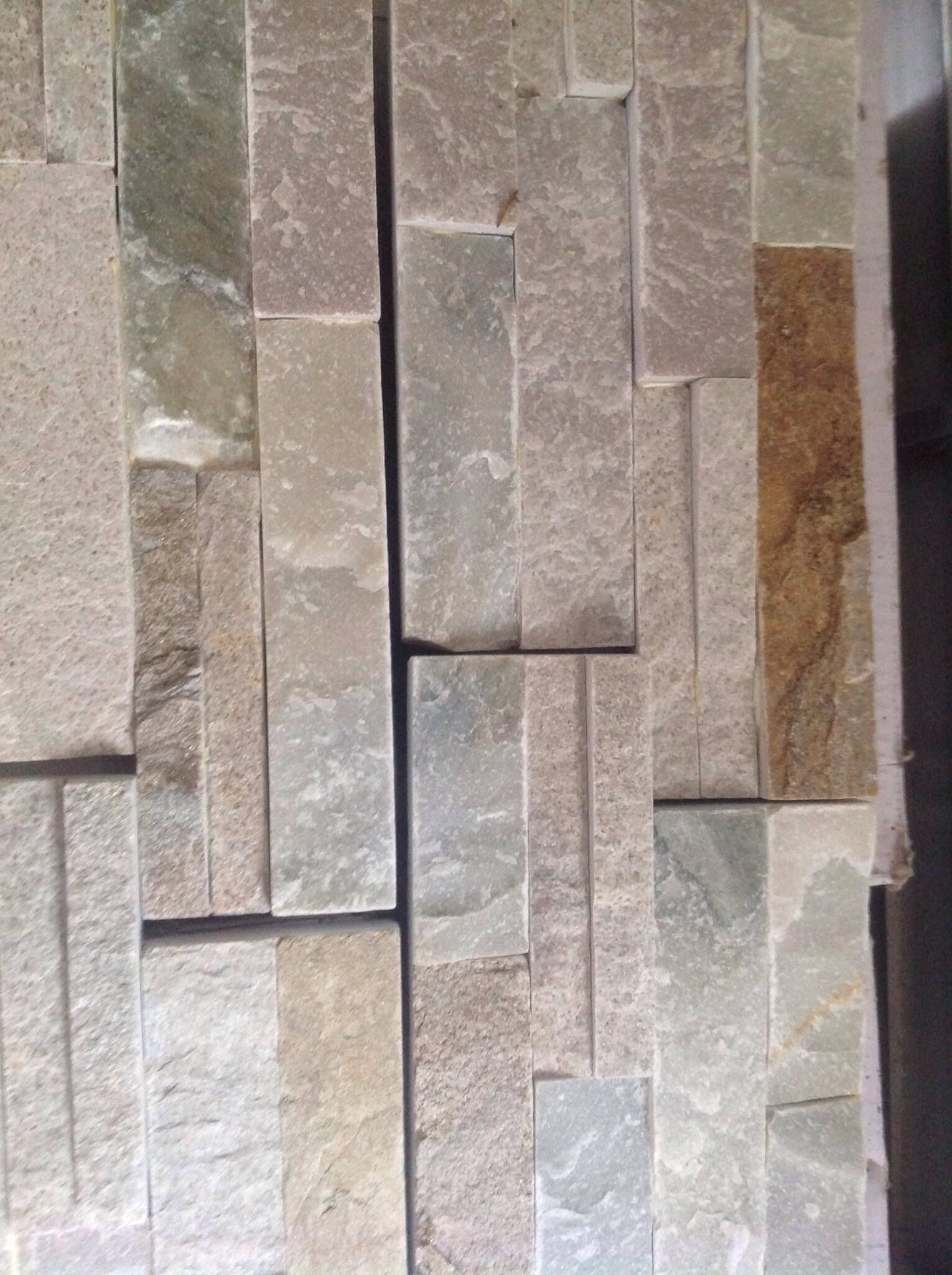 We Decided On This Stacked Limestone Tile Which Came From Lowes With Images Limestone Tile