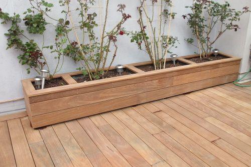 Coffrer Une Jardiniere Avec Des Lattes De Bois Exotiques Lame Terrasse Balcon Bois Jardiniere En Bois