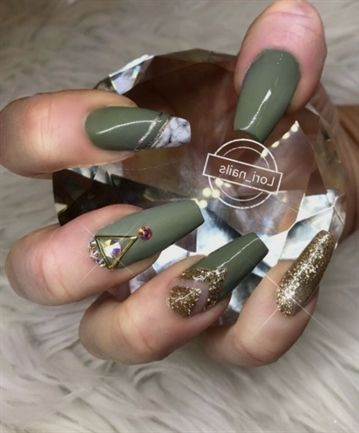 33 cutest and trendy green acrylic nails and green matte