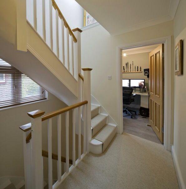 Staircase hunters ridge pinterest escalera puerta for Escalera madera decoracion