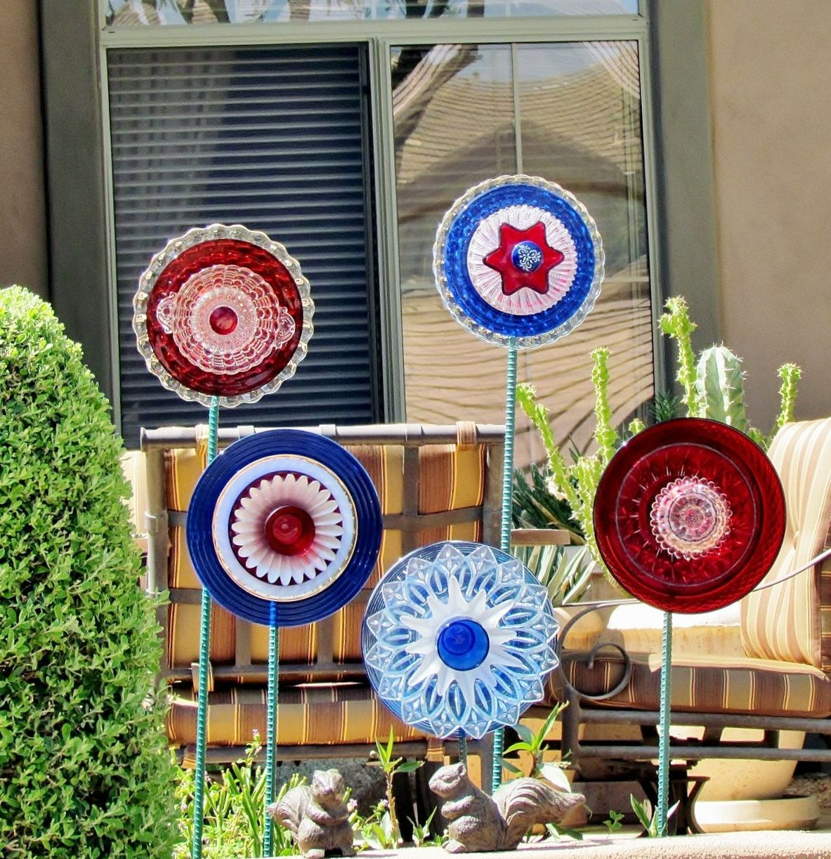 Glass Yard Art Images Sale Garden Art Glass Yard Stake Red White