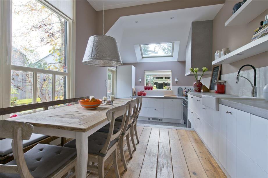Keuken Zonder Afzuigkap : Keuken zonder bovenkasten weggewerkte afzuigkap grijs en paars