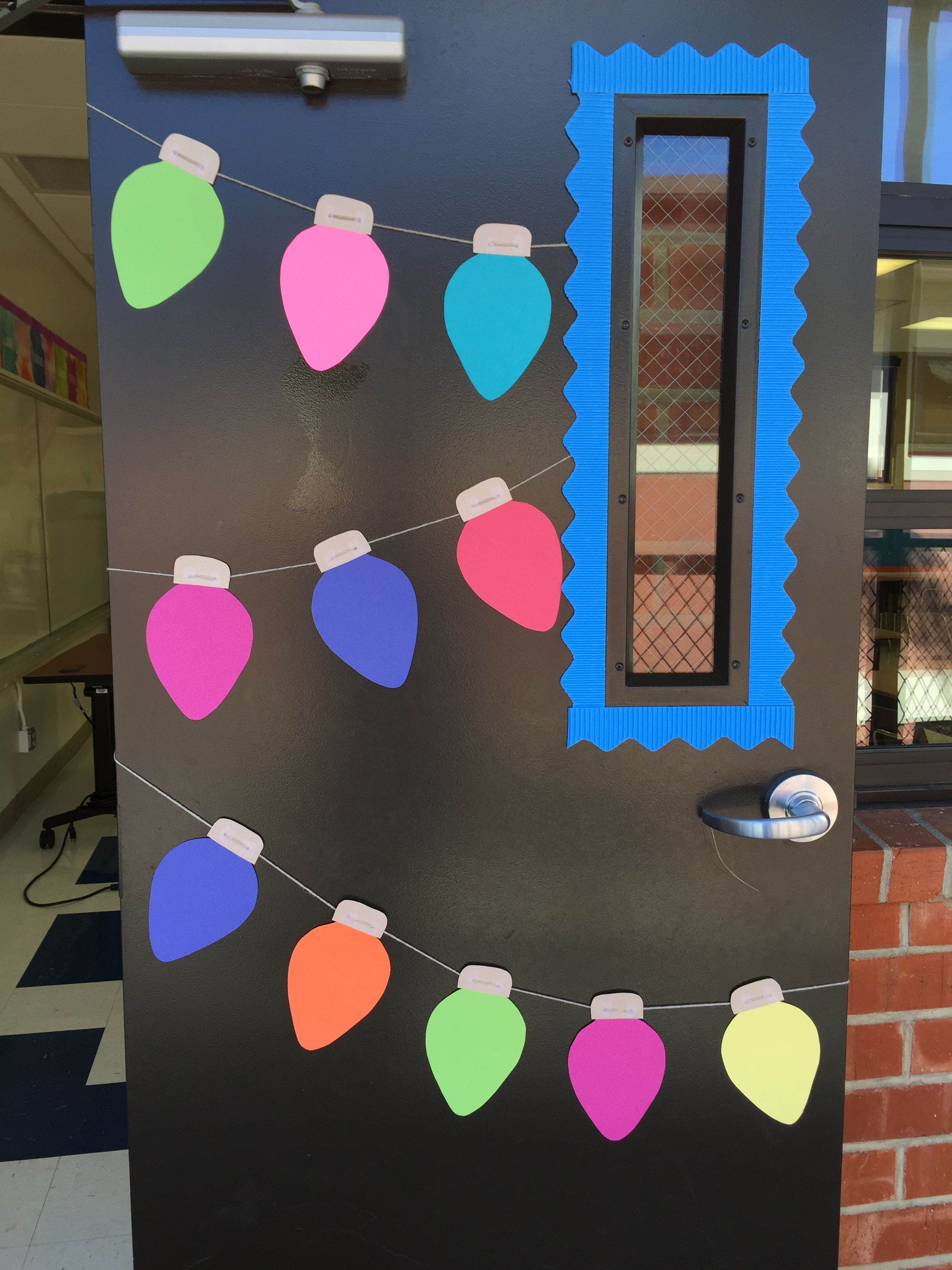 Christmas light bulb door for the classroom #christmasdoordecorationsforschool