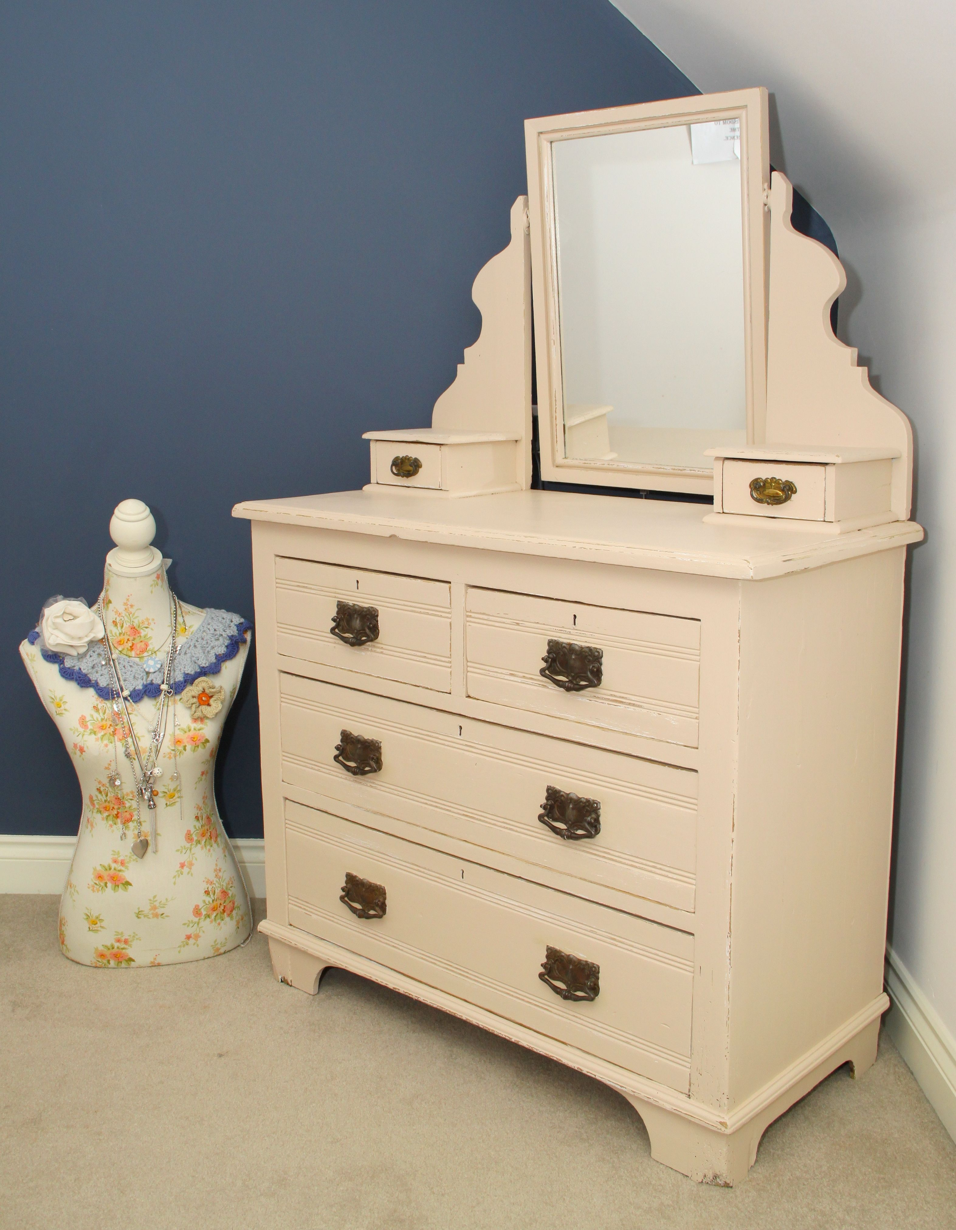Best Dressing Table Painted In Farrow And Ball Setting Plaster 400 x 300
