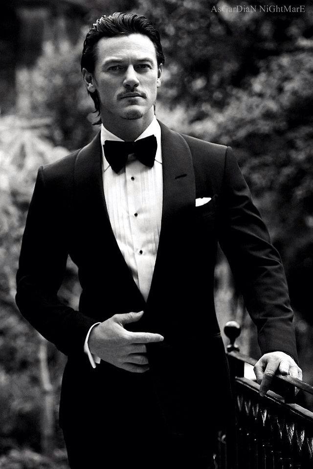 Luke Evans Looks Really Good In Black And White D
