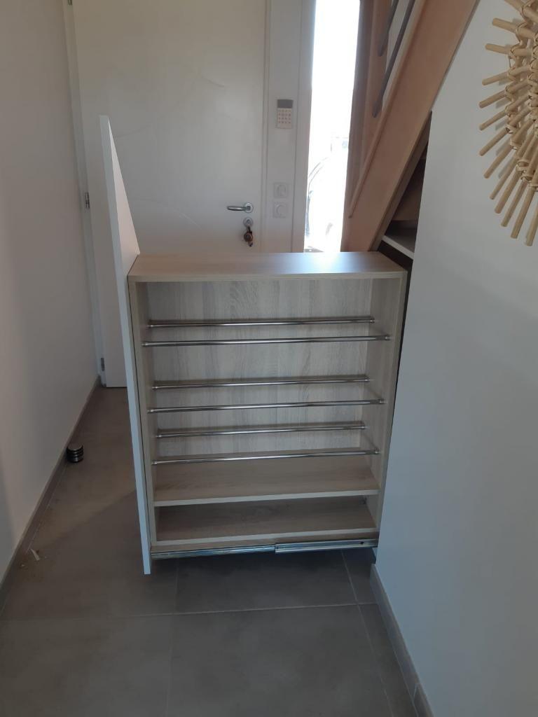 Aménagement sous escalier avec caisson coulissant - Kiosque Aménagement | Aménagement sous ...