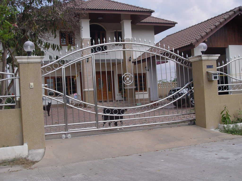 Steel Main Gate For Modern House Design Home Design Gallery Doorways And Gates Pinterest