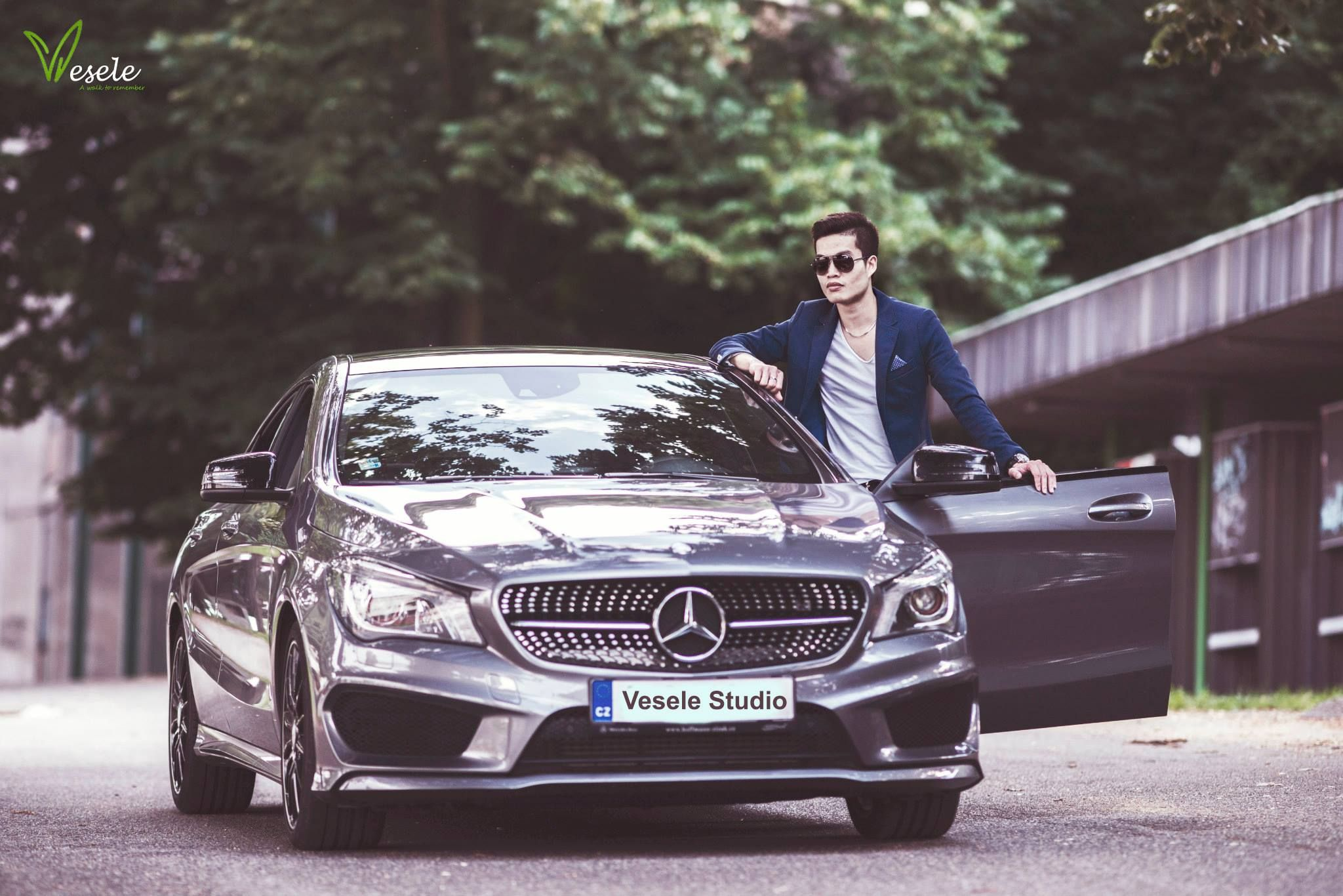 Men With Mecedes Photography Men Cars Photography Photography Poses For Men Man Photography